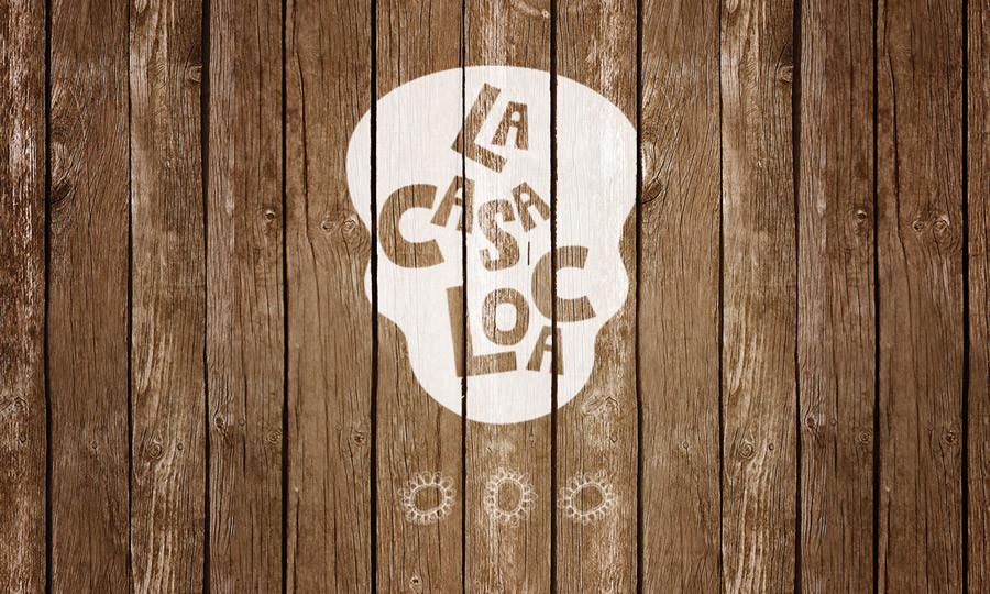 lacasaloca_logo_mockup